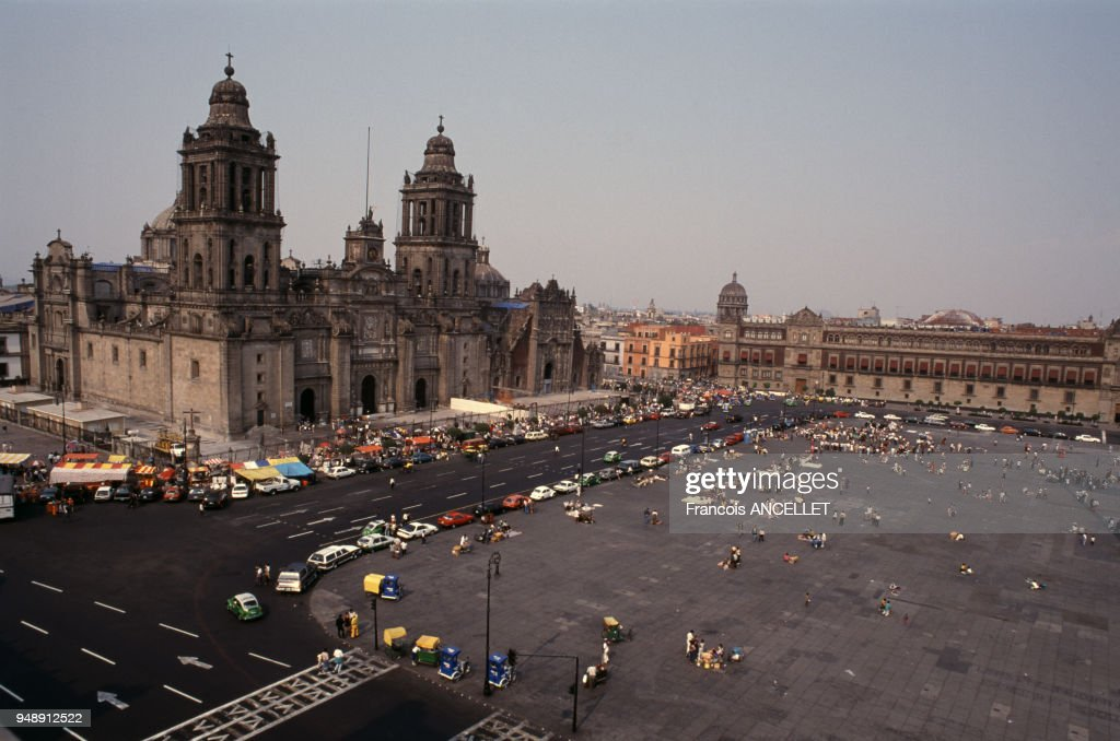 Cathedrale Metropolitaine De Mexico Sur La Plaza De La Constitucion