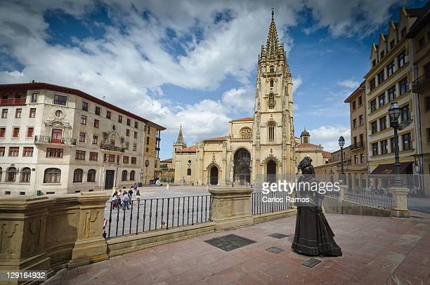cathedral and statue of woman in oviedo - oviedo stock pictures, royalty-free photos & images