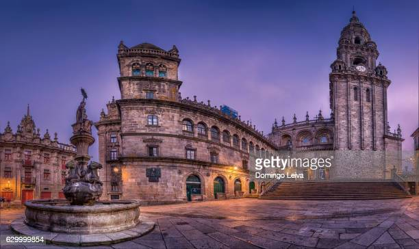cathedral in square praterias, old town of santiago de compostela - santiago de compostela stock pictures, royalty-free photos & images