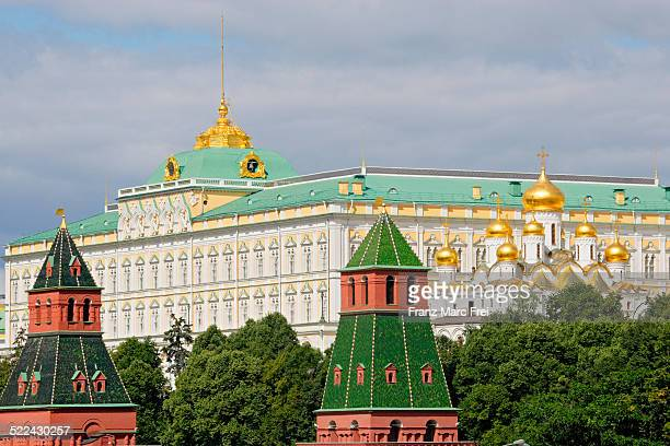 cathedral of annunciation, great kremlin palace - 大クレムリン宮殿 ストックフォトと画像