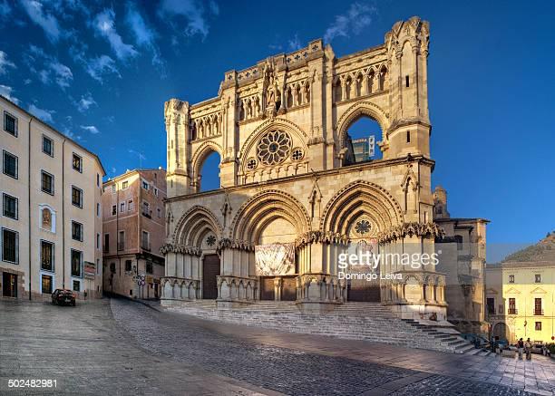 cathedral of cuenca, spain - cuenca provincia de cuenca fotografías e imágenes de stock