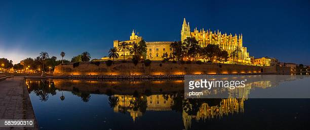 cathedral of majorca (balearic islands - spain) - palma majorca stock pictures, royalty-free photos & images