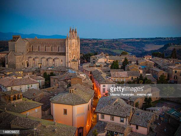 cathedral of orvieto - orvieto stock pictures, royalty-free photos & images