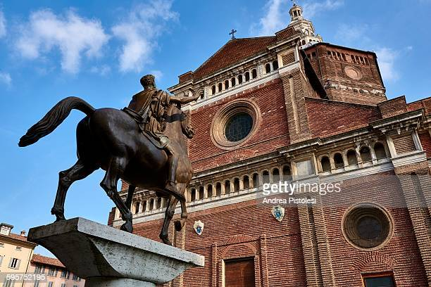 cathedral of pavia, lombardy, italy - イタリア パヴィア ストックフォトと画像