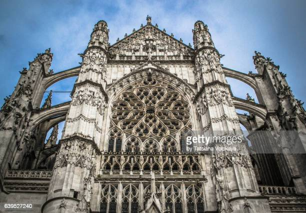cathedral of saint peter of beauvais, france, 2017 - hauts de france stock photos and pictures
