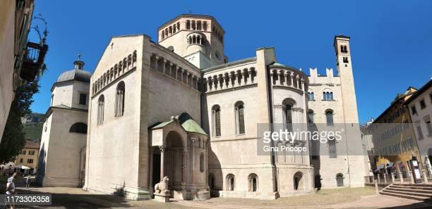 cathedral of san vigilio, trento. - trento foto e immagini stock