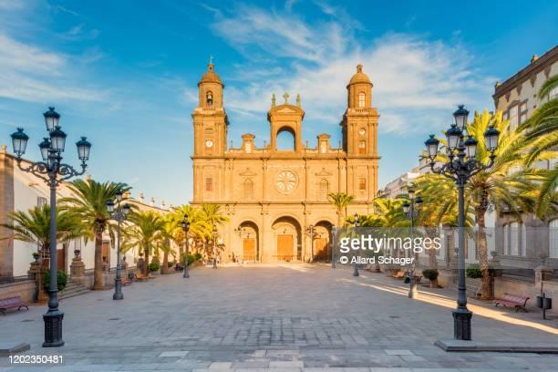 cathedral of santa ana in las palmas de gran canaria spain - las palmas cathedral stock pictures, royalty-free photos & images