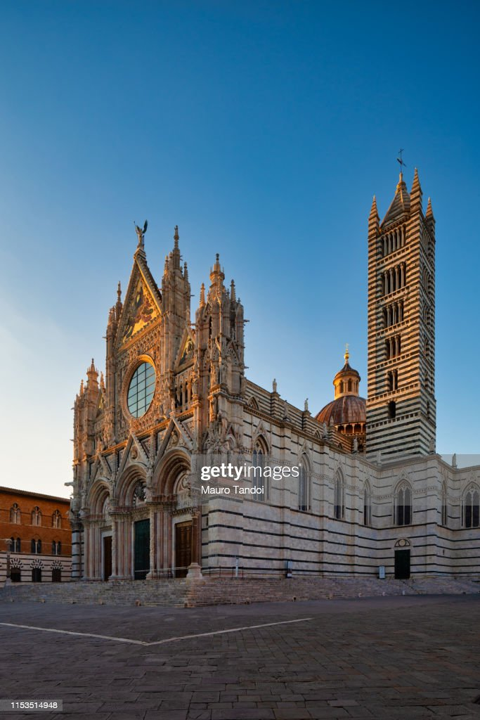Cathedral of Santa Maria Assunta at dusk, Siena, Tuscany : Foto stock