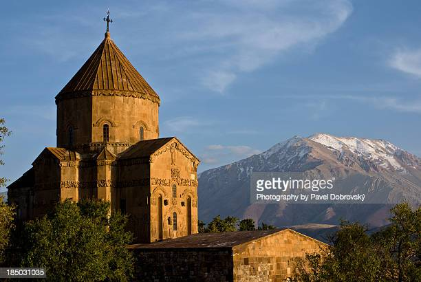 cathedral of the holy cross at akdamar, turkey - van turkey stock pictures, royalty-free photos & images