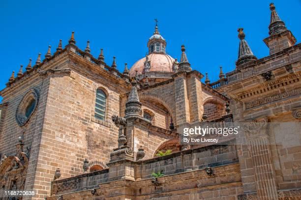 cathedral of the holy saviour - jerez de la frontera fotografías e imágenes de stock