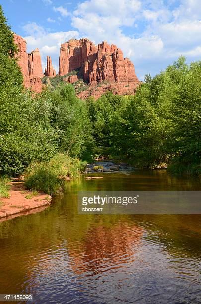 catedral rock e do oak creek - oak creek canyon - fotografias e filmes do acervo