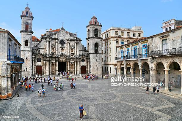 cathedral square - old havana stock pictures, royalty-free photos & images