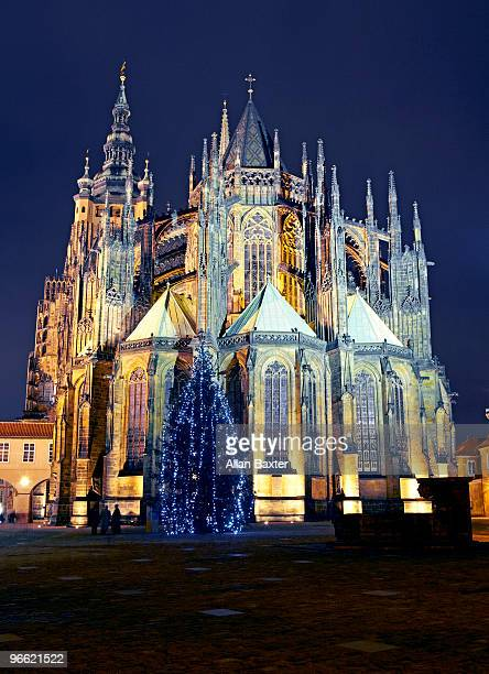 cathedral with christmas tree - st vitus's cathedral stock pictures, royalty-free photos & images