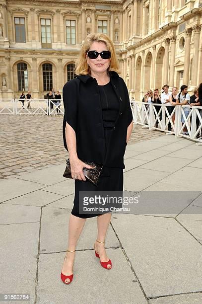 Catherine Deneuve arrives for the Louis Vuitton Pret a Porter show as part of the Paris Womenswear Fashion Week Spring/Summer 2010 at Cour Carree du...