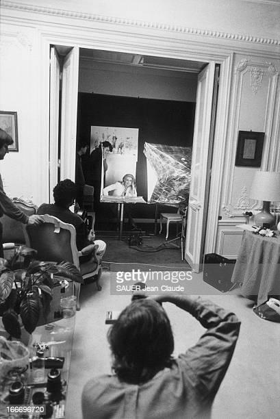 Catherine Deneuve Chosen By The United States Catherine DENEUVE est la vedette d'un reportage fait pour la chaîne de télé américaine ABC réalisé par...