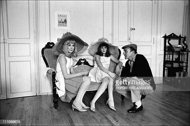 Catherine Deneuve Francoise Dorleac Gene Kelly in shooting film ' Les Demoiselles de Rochefort' in Rochefort France on June 09 1966