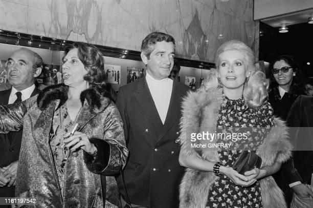 Catherine Deneuve, Jacques Demy et Alice Sapritch lors de la première du film 'L'evenement le plus important depuis que l'homme a marché sur la lune'...