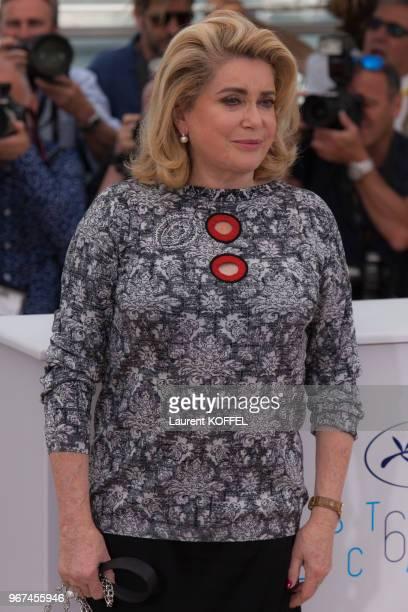 Catherine Deneuve lors du photocall du film La tête haute ' pendant le 68eme Festival du Film Annuel au Palais des Festivals le 13 mai 2015 Cannes...
