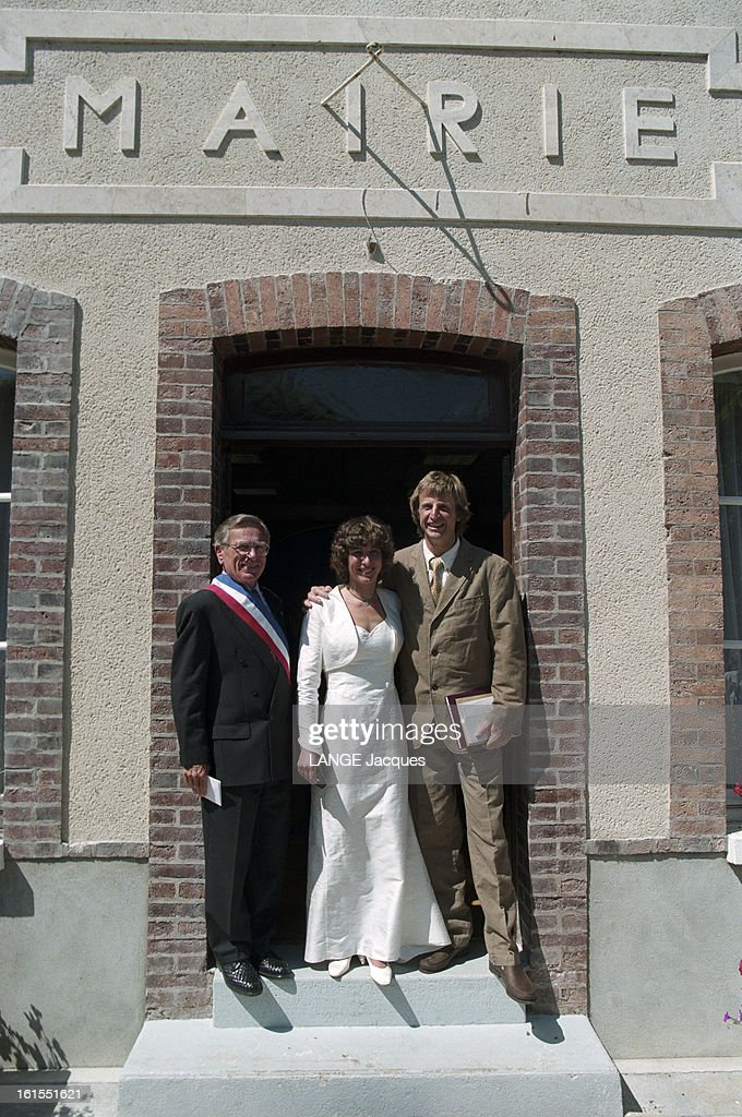 catherine destivelle marries erik decamp in fontenay sur loing news photo getty images. Black Bedroom Furniture Sets. Home Design Ideas