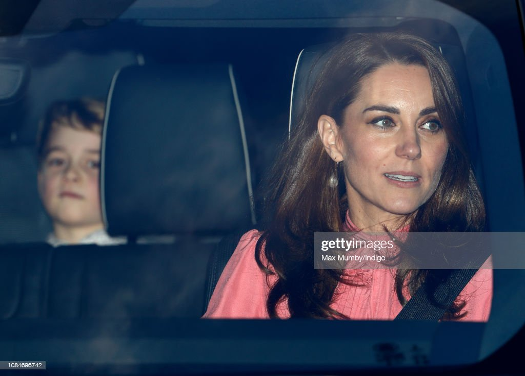 Queen's Christmas Lunch - Arrivals : News Photo