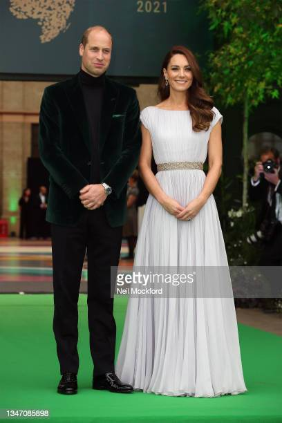 Catherine, Duchess of Cambridge and Prince William, Duke of Cambridge attend the Earthshot Prize 2021 at Alexandra Palace on October 17, 2021 in...