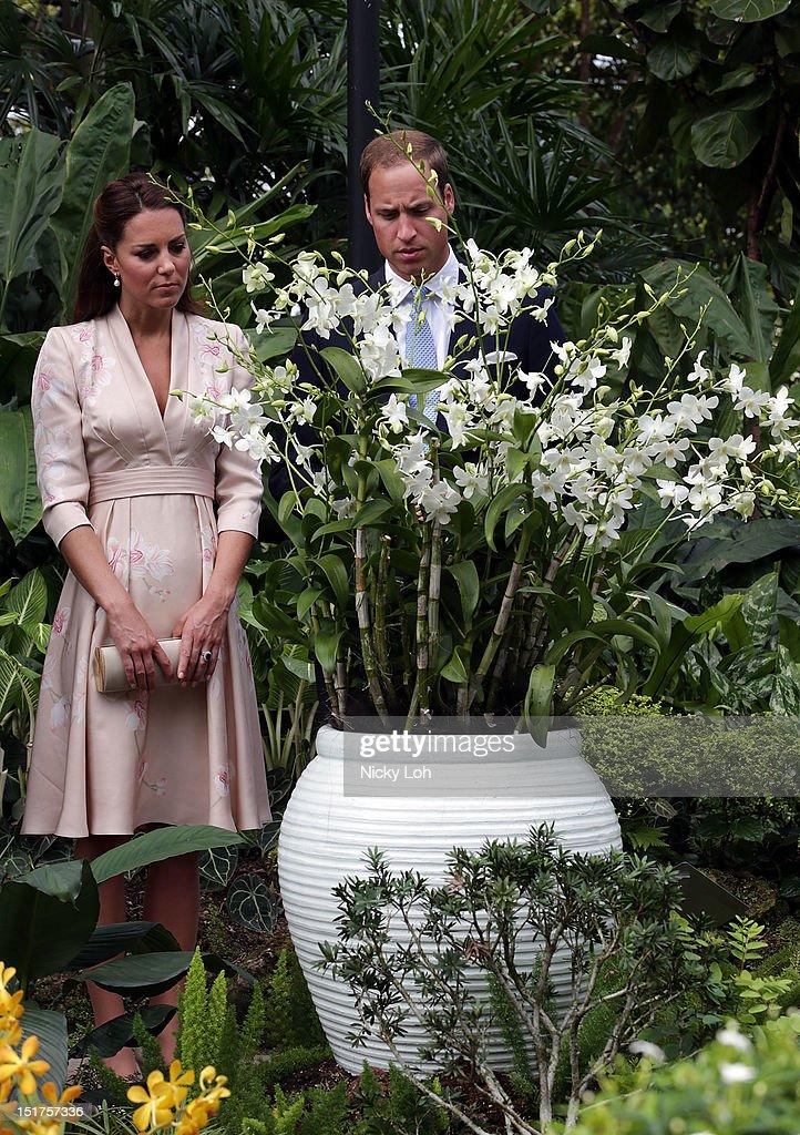 The Duke And Duchess Of Cambridge Diamond Jubilee Tour - Day 1 : News Photo