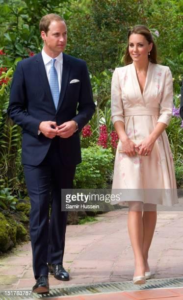Catherine Duchess of Cambridge and Prince William Duke of Cambridge visit Singapore Botanical Gardens on day 1 of their Diamond Jubilee tour on...