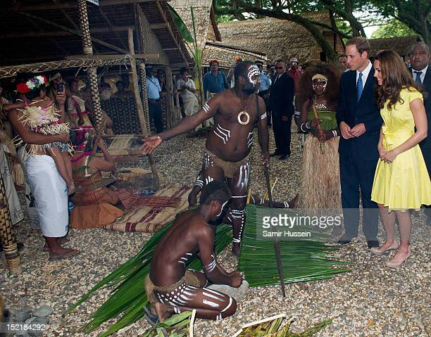 Catherine, Duchess of Cambridge and Prince William, Duke of Cambridge visita cultural village on their Diamond Jubilee tour of the Far East on...
