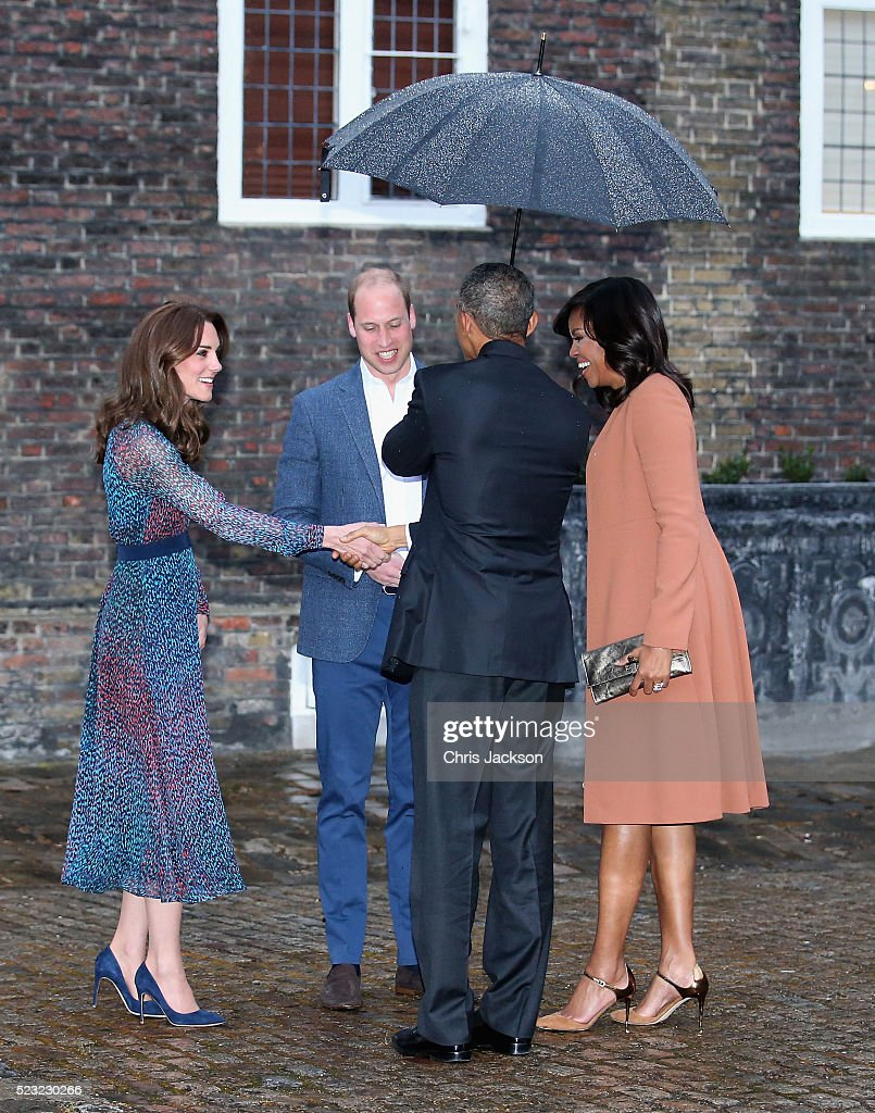 Catherine, Duchess of Cambridge and Prince William, Duke of Cambridge greet US President Barack Obama and First Lady Michelle Obama as they attend a dinner at Kensington Palace on April 22, 2016 in London, England.