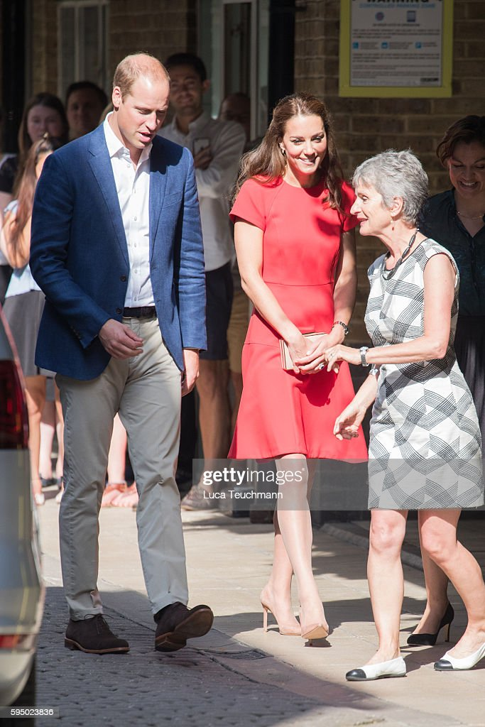 Catherine, Duchess of Cambridge and Prince William, Duke of Cambridge during a visit to the YoungMinds mental health charity helpline, partner of the Heads Together mental health charity on August 25, 2016 in London, England.