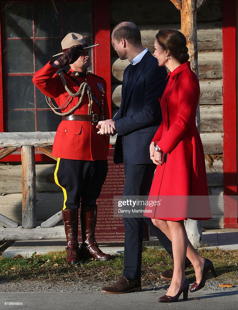 2016 Royal Tour To Canada Of The Duke And Duchess Of Cambridge - Whitehorse And Carcross, Yukon : Nachrichtenfoto