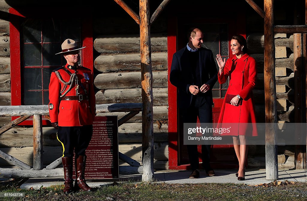 2016 Royal Tour To Canada Of The Duke And Duchess Of Cambridge - Whitehorse And Carcross, Yukon : Fotografía de noticias