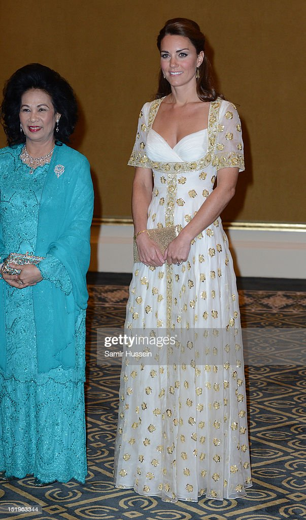 Catherine, Duchess of Cambridge (R) and Sultanah Tuanku Haminah binti Hamidun the Raja Permaisuri Agong of Malaysia attend an official dinner hosted by Malaysia's Head of State Sultan Abdul Halim Mu'adzam Shah of Kedah on Day 3 of Prince William, Duke of Cambridge and Catherine, Duchess of Cambridge's Diamond Jubilee Tour of South East Asia at the Istana Negara on September 13, 2012 in Kuala Lumpur, Malaysia.