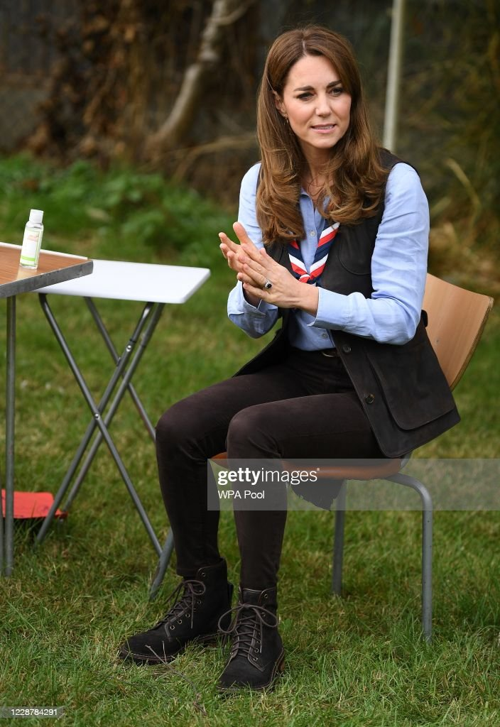 The Duchess Of Cambridge Visits Scouts Group : Foto di attualità