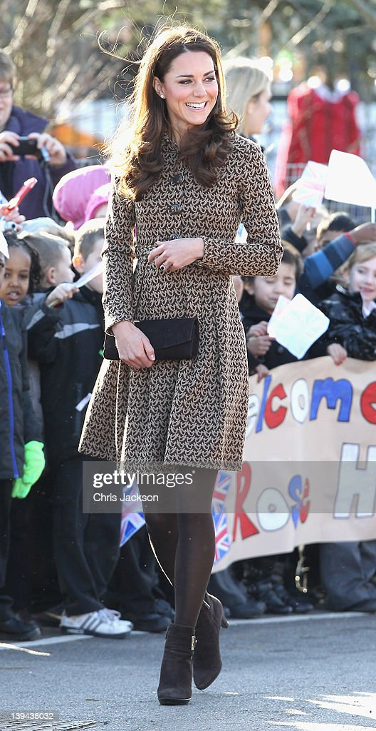 Catherine, Duchess of Cambridge arrives at Rose Hill Primary School during a visit to Oxford on February 21, 2012 in Oxford, England. The visit is in association with the charity Art Room who work with children to increase self-confidence and self-esteem.