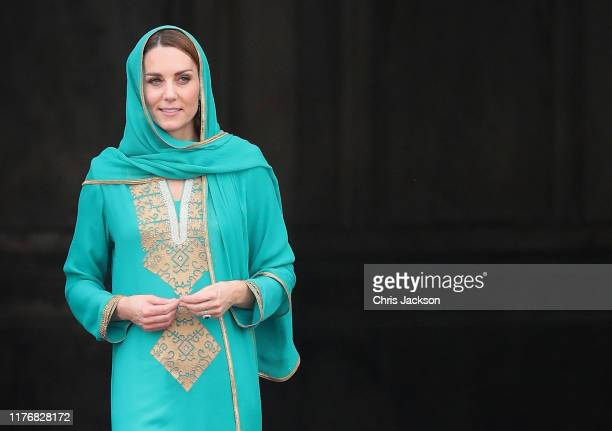 Catherine, Duchess of Cambridge arrives at the Badshahi Mosque within the Walled City during day four of their royal tour of Pakistan on October 17,...