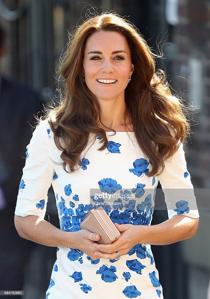 Catherine, Duchess of Cambridge arrives at Youthscape on August 24, 2016 in Luton, England.