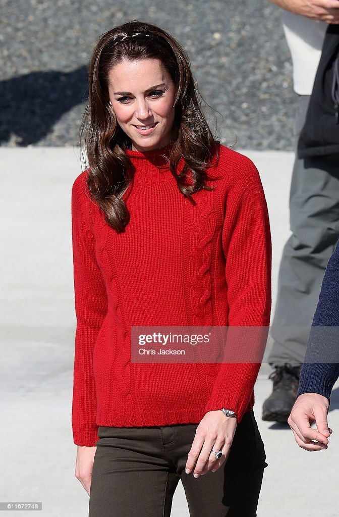 2016 Royal Tour To Canada Of The Duke And Duchess Of Cambridge - Haida Gwaii : News Photo