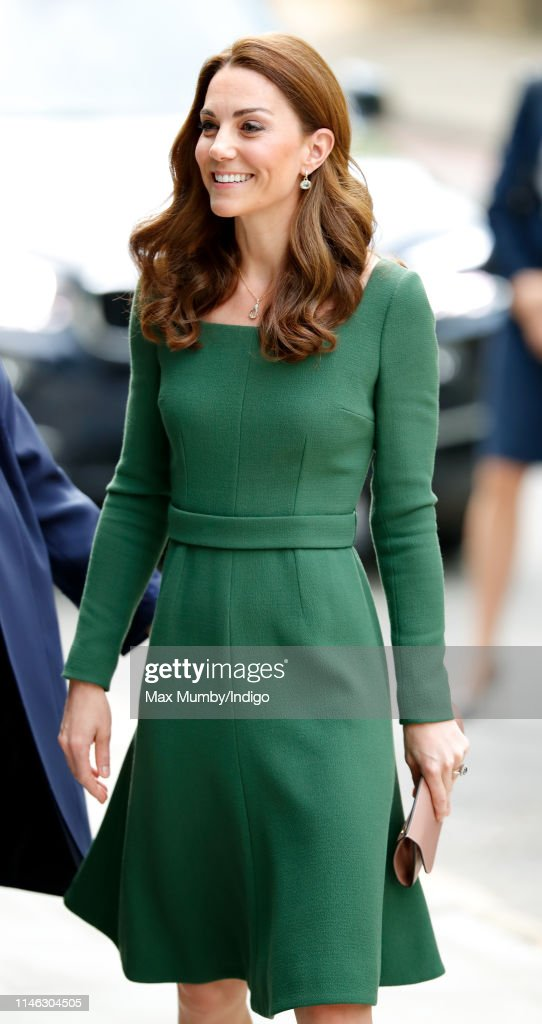 The Duchess Of Cambridge Opens Anna Freud Centre Of Excellence : Fotografía de noticias