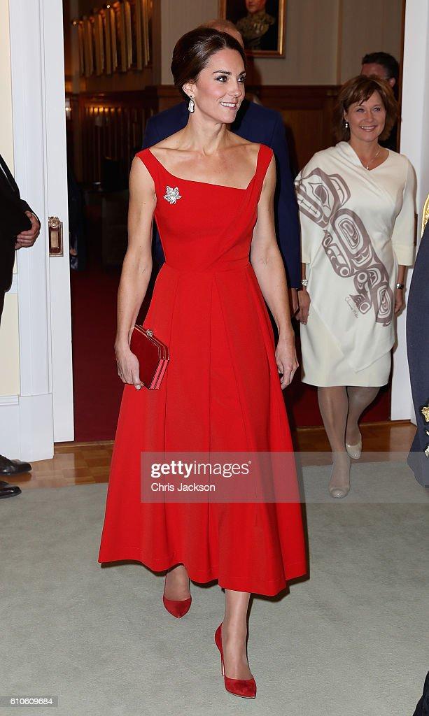 2016 Royal Tour To Canada Of The Duke And Duchess Of Cambridge - Bella Bella And Victoria, British Columbia : Fotografia de notícias
