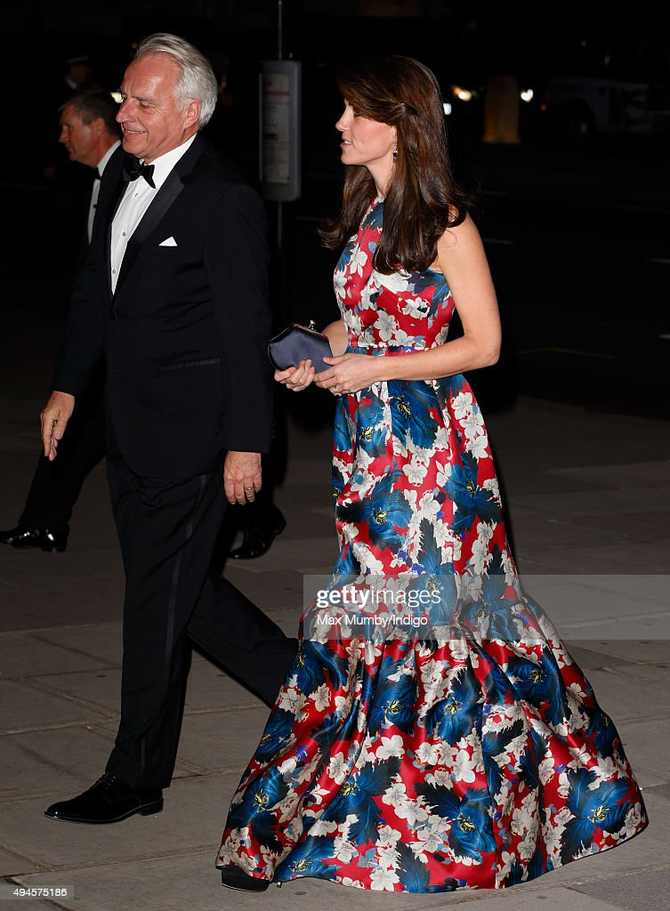 Catherine, Duchess of Cambridge attends the 100 Women In Hedge Funds Gala Dinner in aid of The Art Room at the Victoria and Albert Museum on October 27, 2015 in London, England.