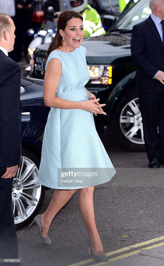 The Duchess Of Cambridge Attends The Art Room Reception : News Photo