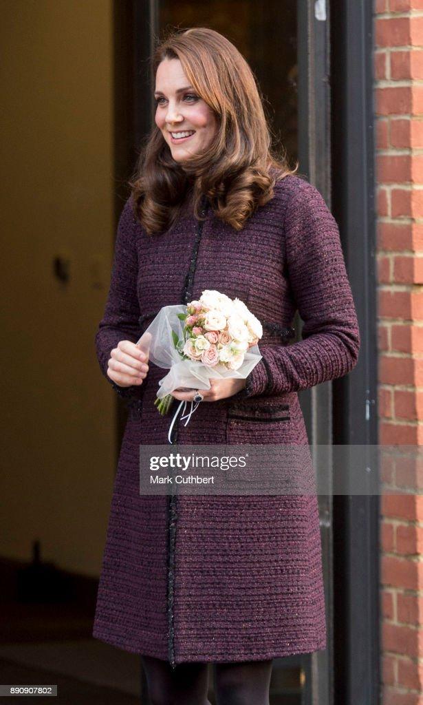 The Duchess Of Cambridge Attends 'Magic Mums' Christmas Party : Fotografia de notícias
