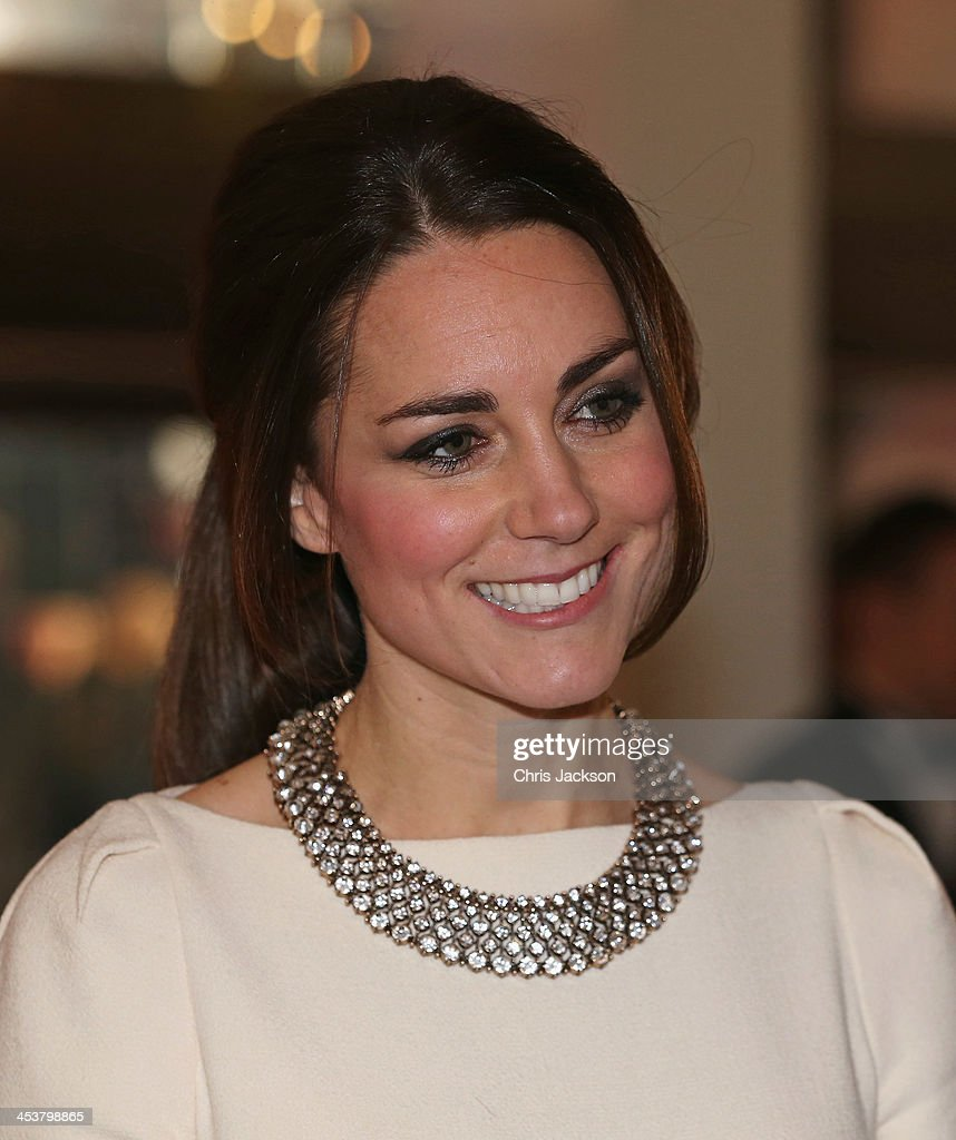 """The Royal Film Performance Of """"Mandela: Long Walk To Freedom"""" - Red Carpet Arrivals : News Photo"""