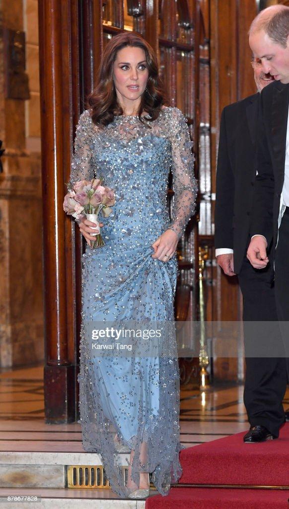The Duke & Duchess Of Cambridge Attend The Royal Variety Performance : ニュース写真