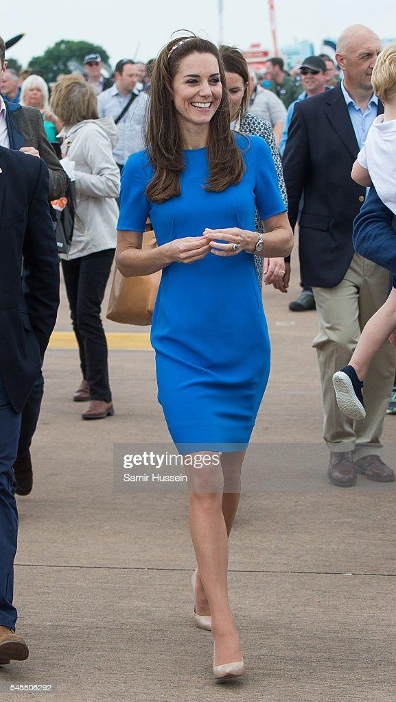 The Duke & Duchess Of Cambridge Visit The Royal International Air Tattoo : Fotografía de noticias