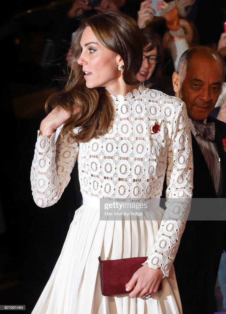 """The Duchess Of Cambridge Attends UK Premiere Of """"A Street Cat Named Bob"""" In Aid Of Action On Addiction : News Photo"""