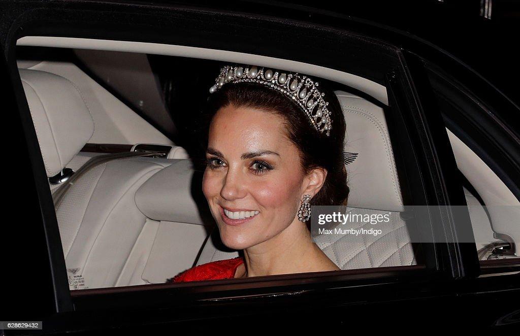Diplomatic Reception At Buckingham Palace : Nachrichtenfoto