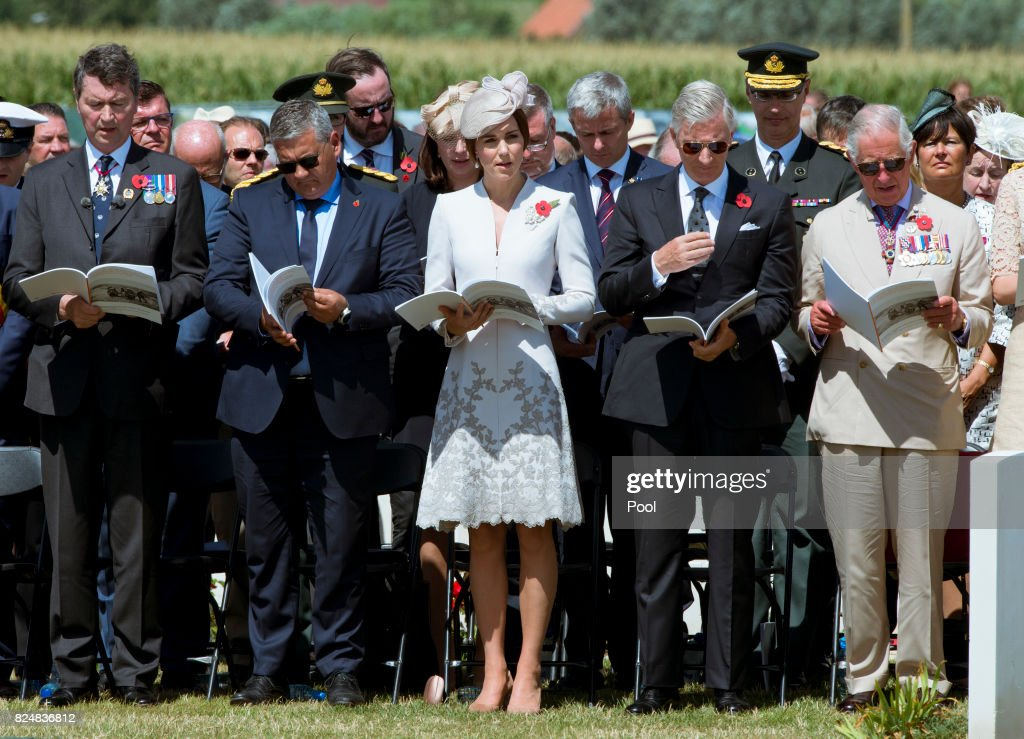 Catherine, Duchess of Cambridge (C) during a ceremony at the Commonwealth War Graves Commisions's Tyne Cot Cemetery on July 31, 2017 in Ypres, Belgium. The commemorations mark the centenary of Passchendaele - The Third Battle of Ypres.