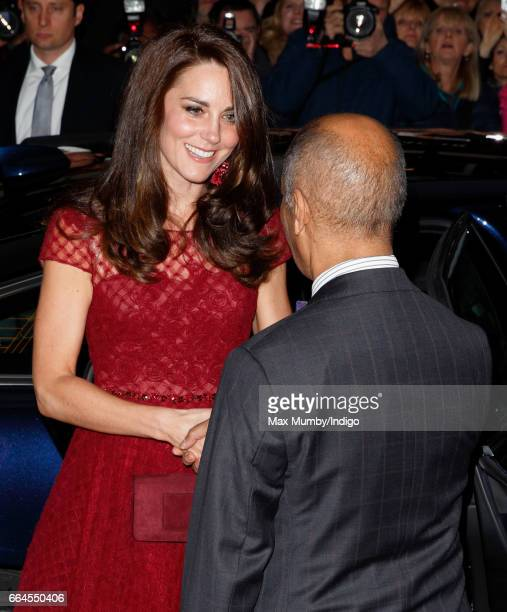 Kate Middleton Clutch Pictures And Photos